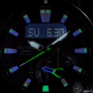 『PRW-7000』のLEDライト+ネオンイルミネーター